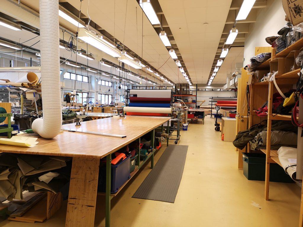 INDUSTRI: Industrilokalene består av lager, produksjonshall, ventilasjonsrom, samt to innvendige kontorer tilknyttet produksjon og verksted.