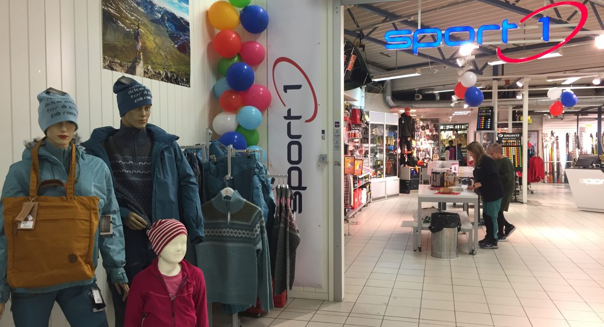 ÅPNINGSFEST: Nordtro sin sportsbutikk på Gammen varehus har byttet kjede fra MX Sport til Sport1.  Torsdag reåpnet butikken og det ble da servert kaffe, kake og mange gode tilbud.